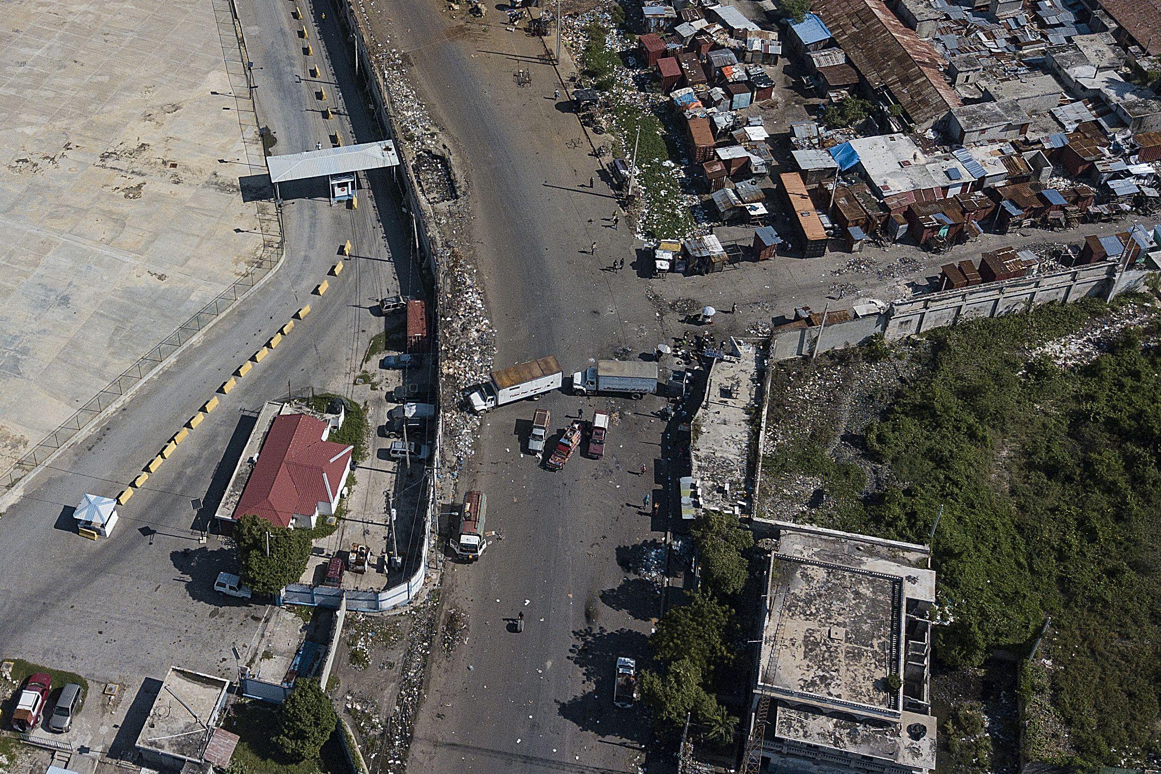escasez de gasolina abruma a puerto principe