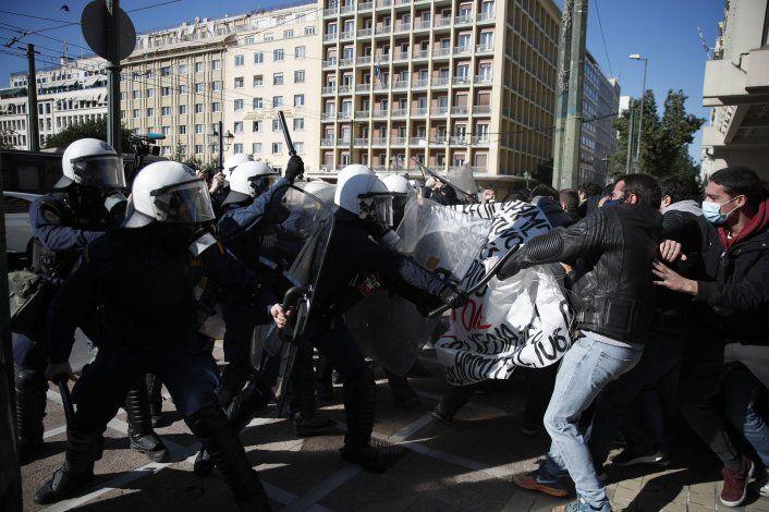 Grecia: Protestas contra entrada de policía en universidades