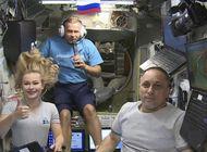 actriz, cineasta y cosmonauta rusos regresan a la tierra
