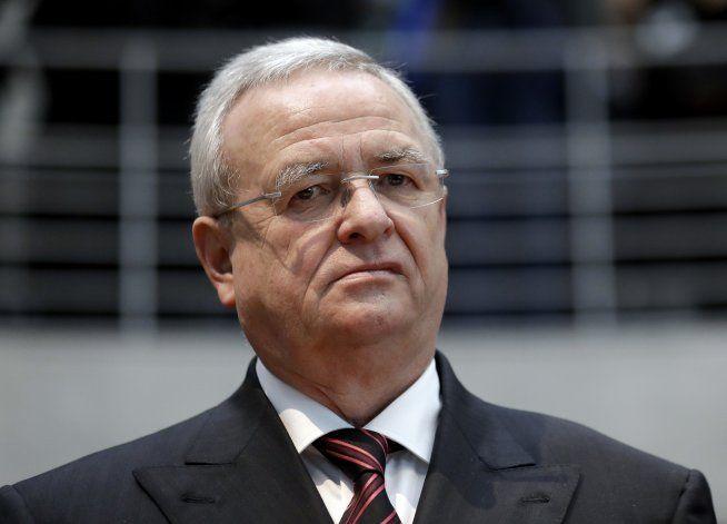 Acusan a más empleados de VW por escándalo de motor diésel