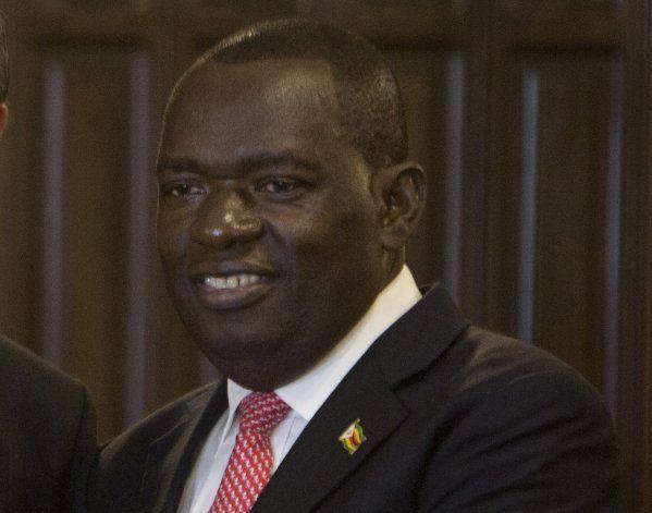 Canciller de Zimbabue muere de COVID-19