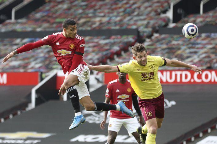 Man United vence a Burnley, se acerca a 8 puntos del City
