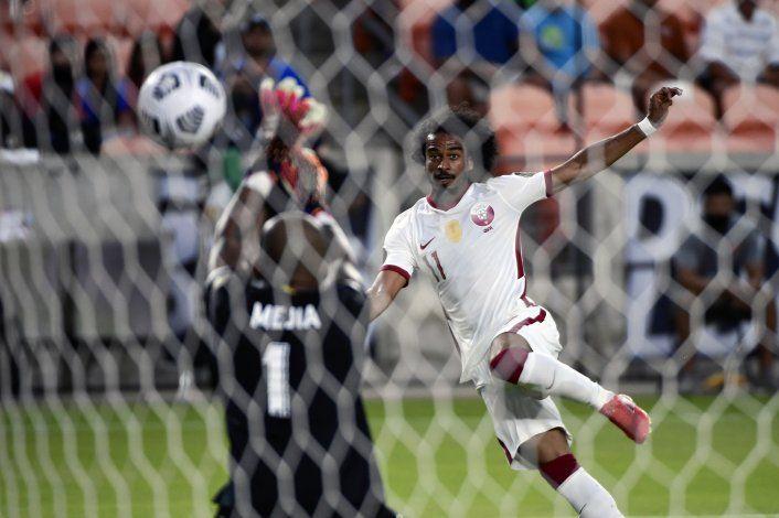 Qatar supera a Panama y lidera su grupo en Copa de Oro