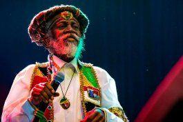 murio la leyenda del reggae bunny wailer, fundador junto a bob marley de la banda the wailers