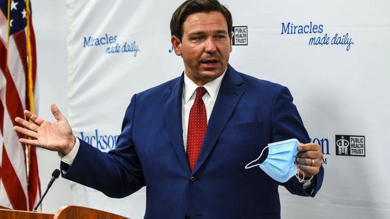 Un juez fallo a favor del Gobernador Desantis en relación al uso de mascaras en escuelas