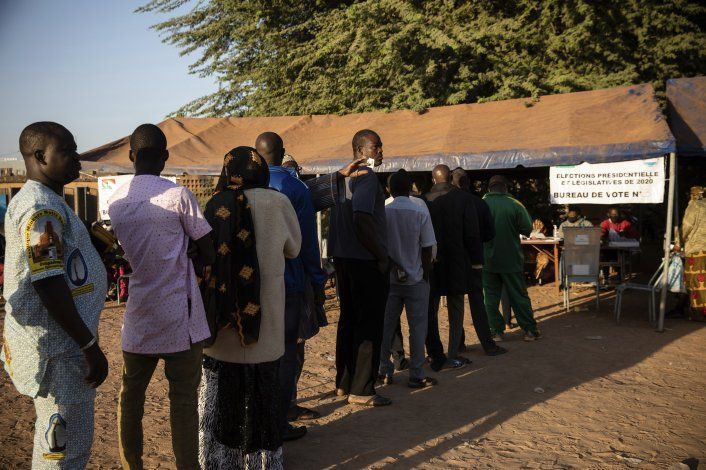 Violencia ensombrece elecciones en Burkina Faso