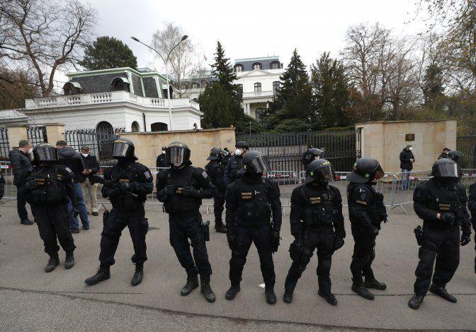 Rusia responde y ordena expulsión de 20 diplomáticos checos