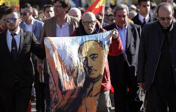 España: buscan proscribir expresiones de apoyo a Franco