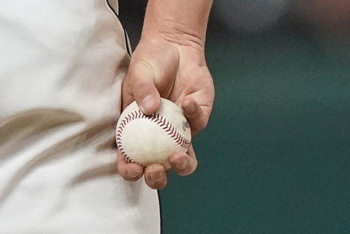 Ambivalencia en MLB al sancionar manipulación de pelotas