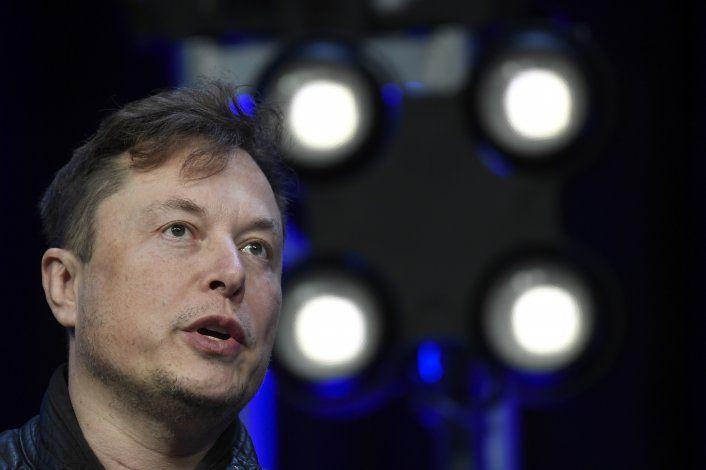 Baja el precio del bitcoin tras anuncio de Elon Musk