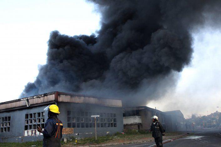 Sudáfrica enfrenta disturbios tras arresto de expresidente