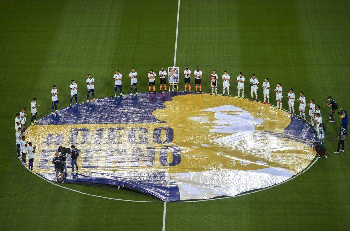 Boca rinde homenaje a Maradona con victoria ante Newell's