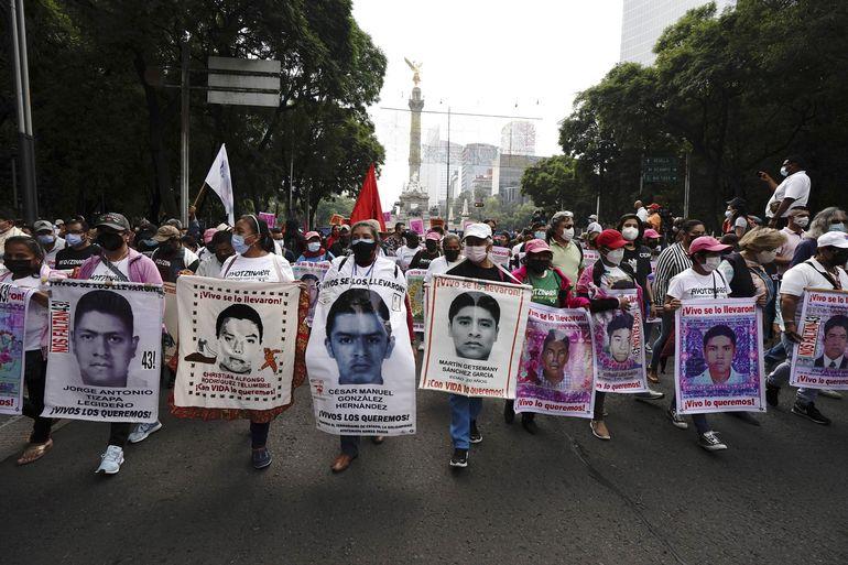 México: Protestan por falta de justicia en caso Ayotzinapa