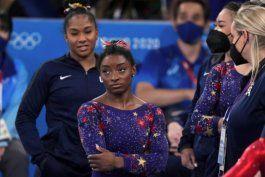 Rusia logra el oro por equipos masculino en gimnasia 25 años después