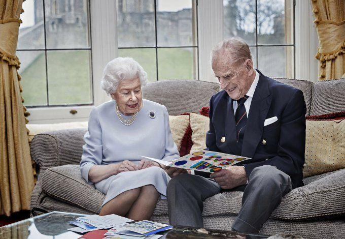 Reina Isabel y príncipe Felipe pasarán Navidad en Windsor