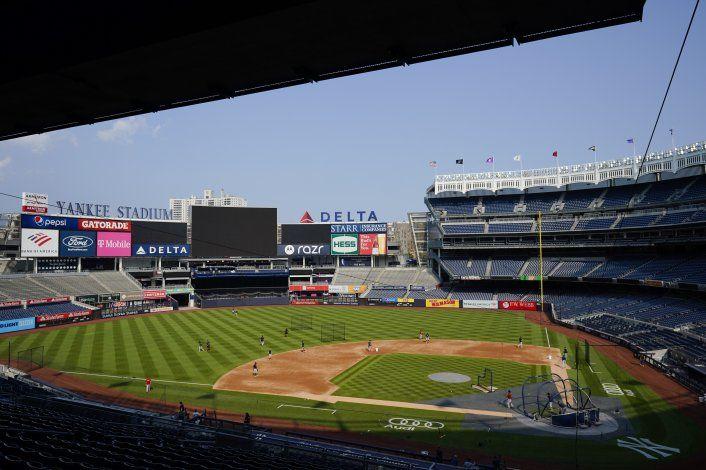 Juegan Medias Rojas-Yanquis el viernes; casos de COVID en NY