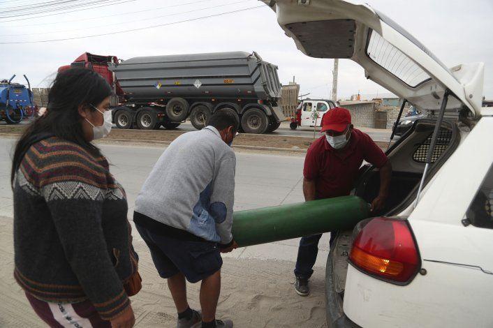 Búsqueda de oxígeno médico se vuelve rutina para peruanos
