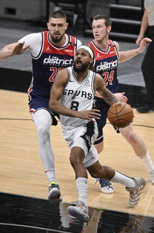 Wizards pierden ante Spurs en su primer juego en dos semanas