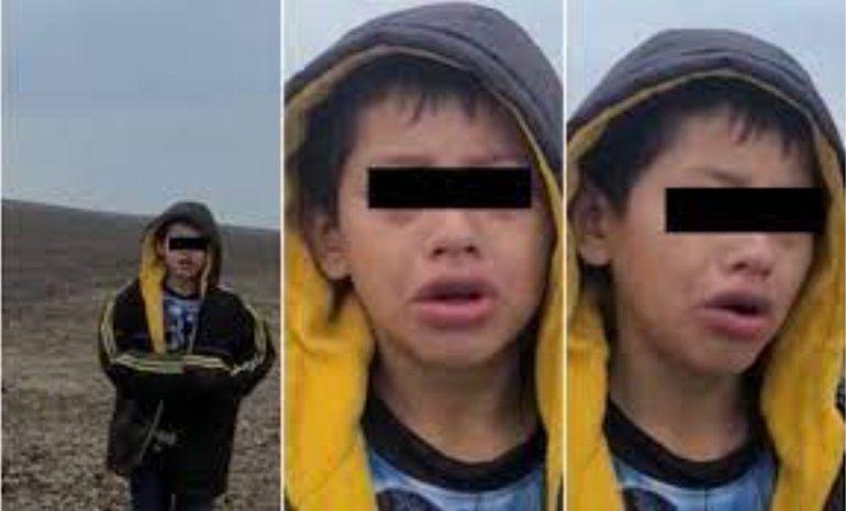 «¿Me puede ayudar?». El dramático vídeo de un niño sin papeles abandonado en el desierto de Texas