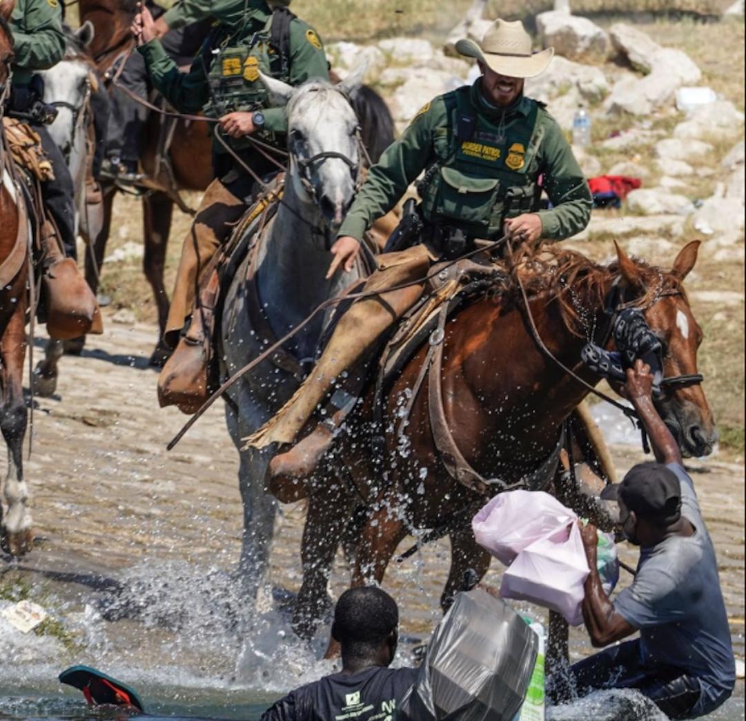 biden tilda de horrorosas las imagenes de la patrulla fronteriza hostigando a migrantes haitianos en texas