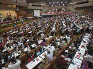 comunistas cubanos: ¿dejara raul castro la direccion?