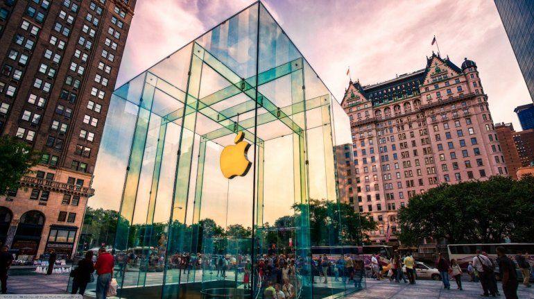 Récord en Wall Street: Apple ya vale más de un billón de dólares