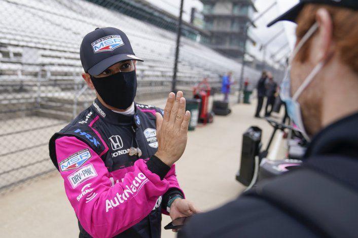 Castroneves se aclimata a su nuevo equipo en la Indy