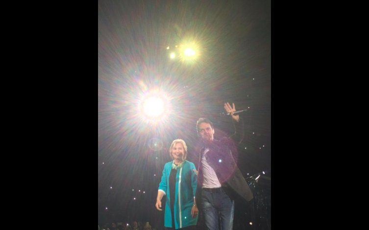 [Video] Marc Anthony subió a Hillary Clinton al escenario