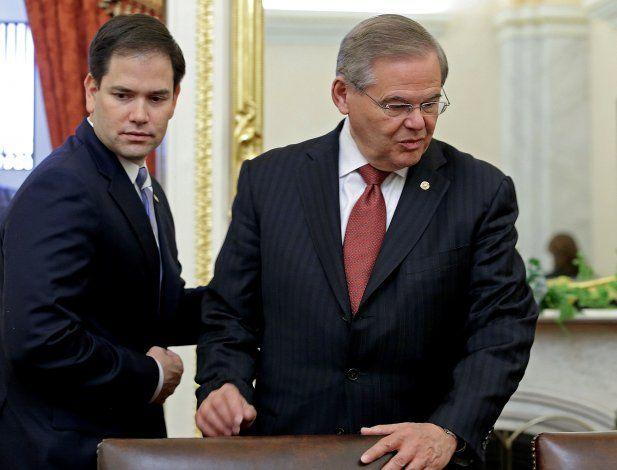 Senadores de EEUU Marco Rubio y Bob Menéndez. (Archivo)
