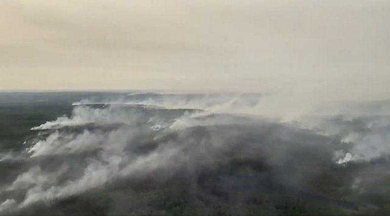 Los incendios forestales paralizan un aeropuerto en Siberia