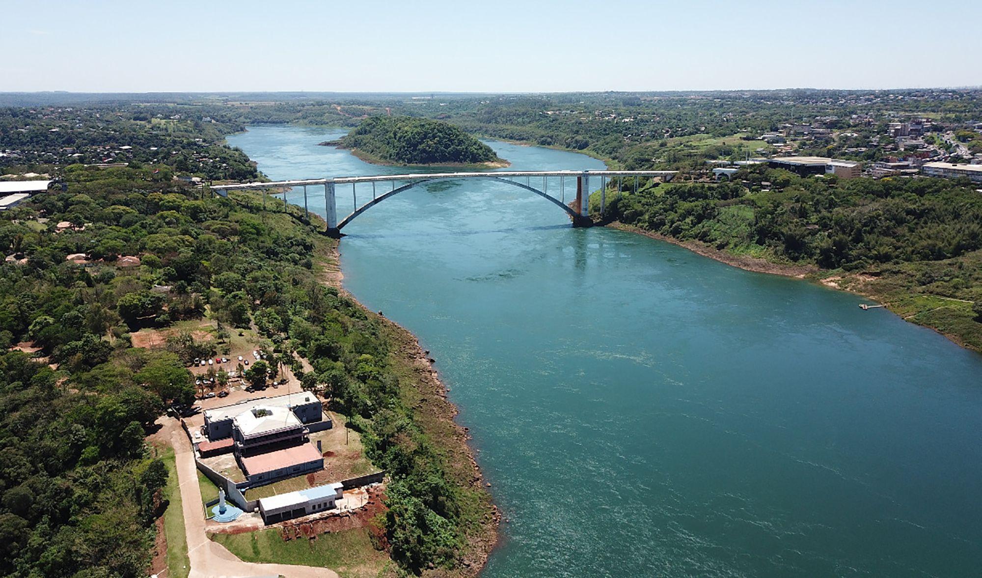 hidroelectrica de itaipu resiente los efectos de la sequia