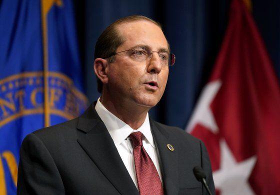 EEUU: Secretario de Salud condena disturbios en renuncia
