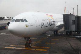el rescate publico de una aerolinea ligada al regimen de nicolas maduro desato una polemica en espana