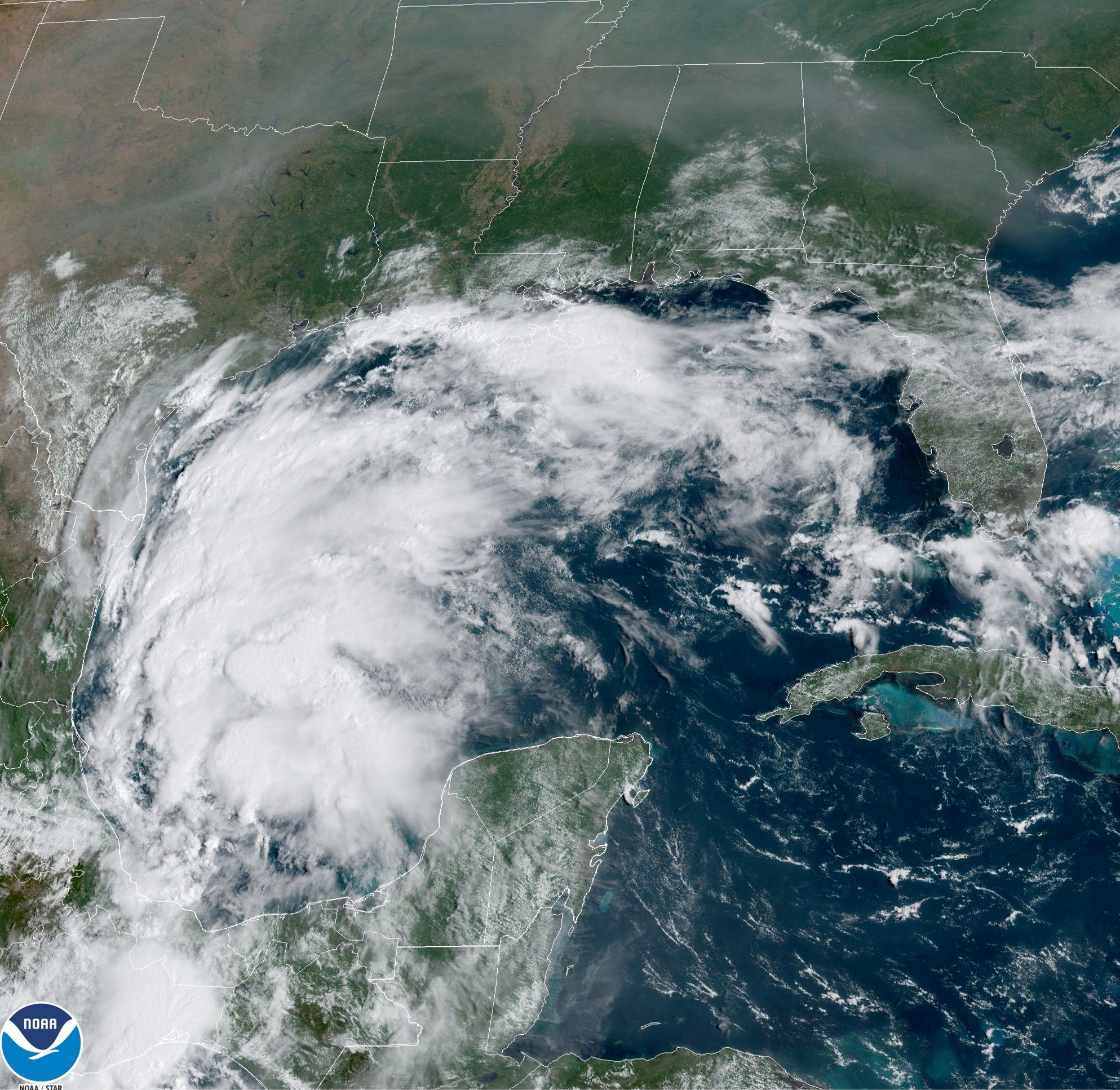 la tormenta tropical nicholas se forma en golfo de mexico