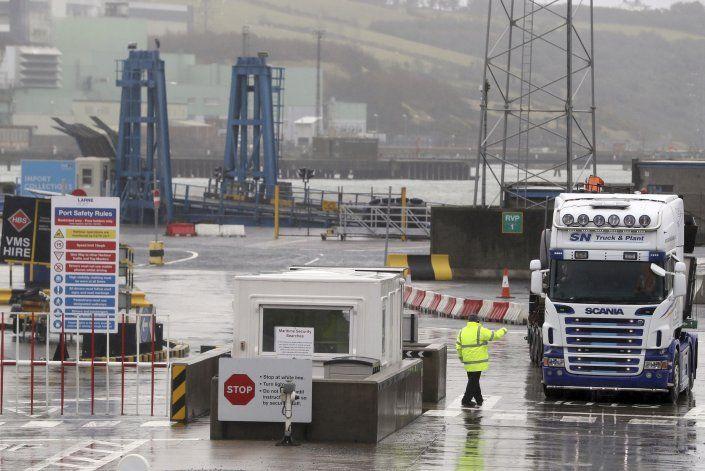 Reglas post Brexit vulneran acuerdo de paz norirlandés