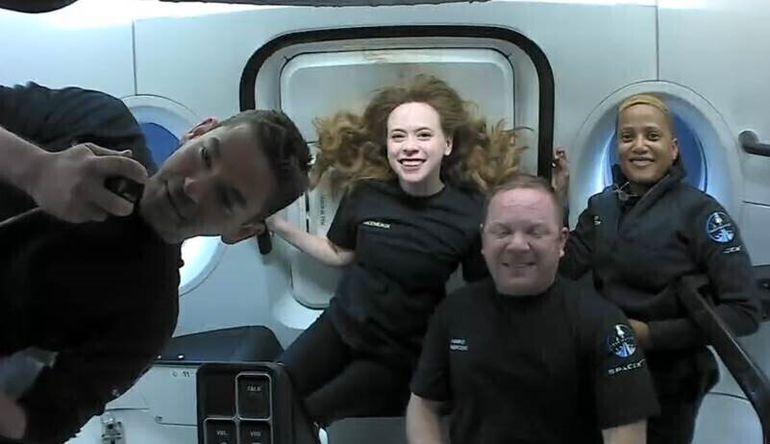 Tom Cruise da un vistazo a vuelo privado de SpaceX