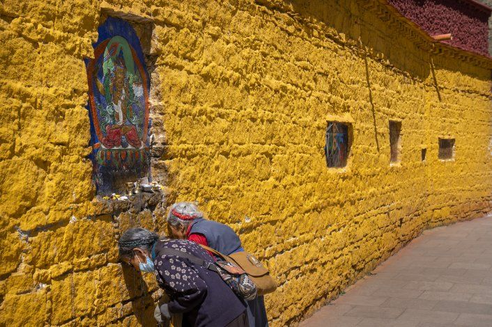 Bajo presión china, peligran las tradiciones del Tíbet