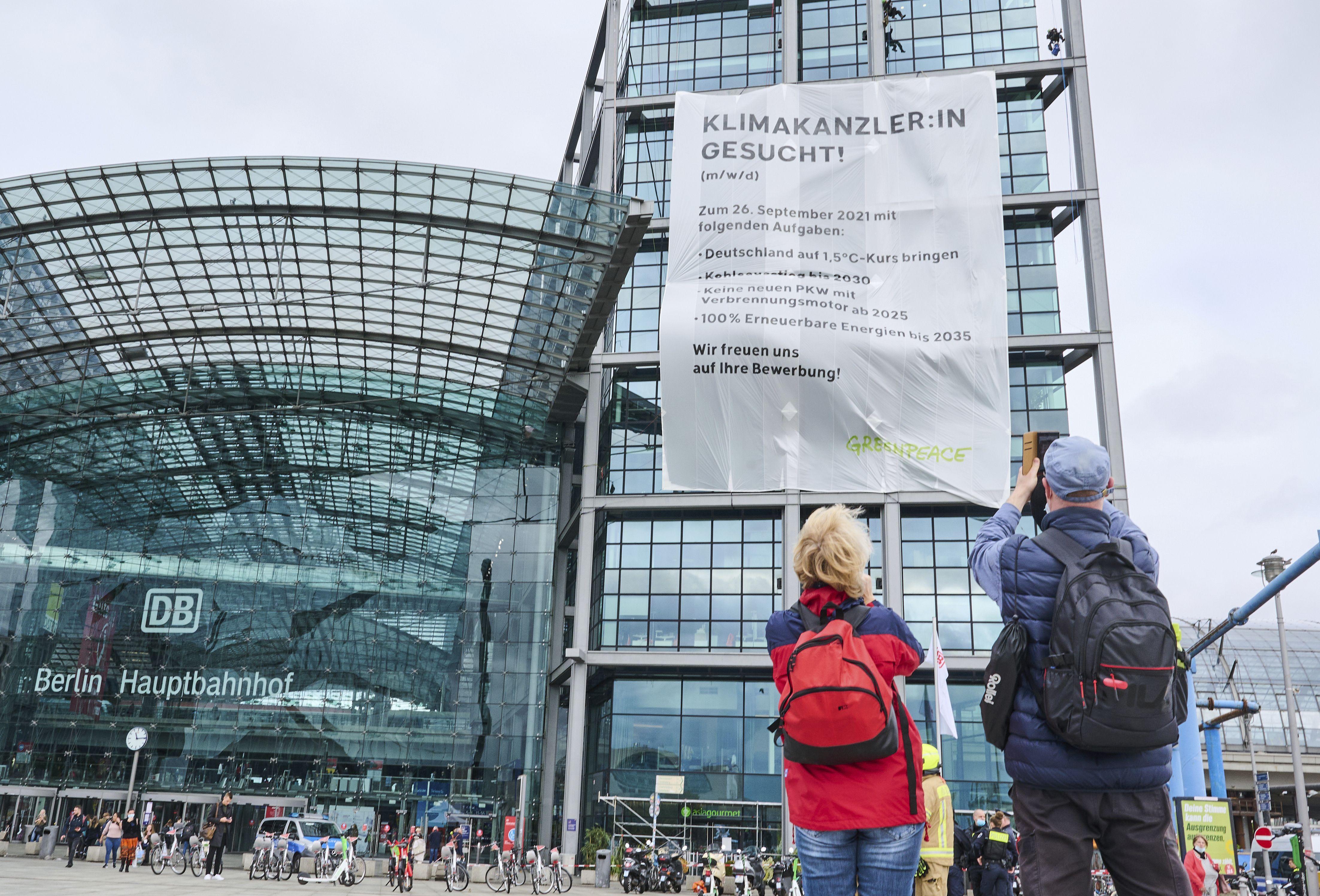 activistas alemanes hacen campana por el clima