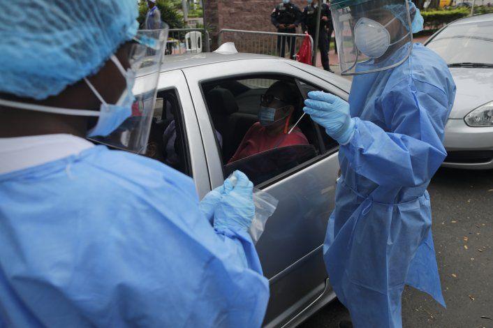 Panamá comienza vacunación contra COVID-19