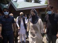 india: primer ministro se reune con lideres de cachemira