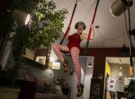 fotogaleria: artistas de rio decaen en el exilio en linea