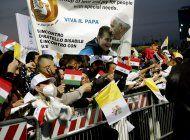 el papa vuelve a roma tras su gira relampago por irak