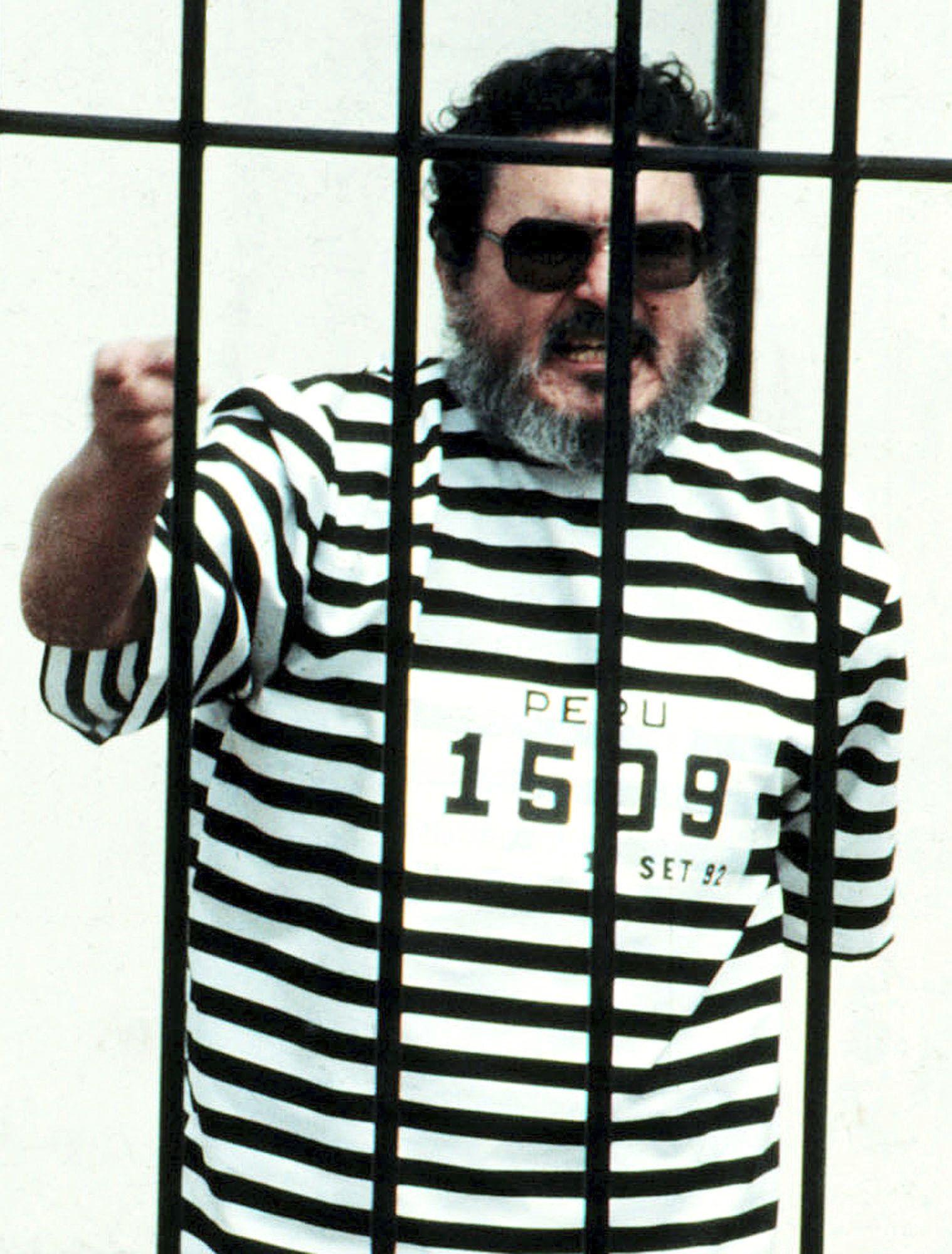 abimael guzman, de profesor a lider terrorista en peru