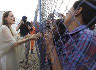 angelina jolie expresa preocupacion por mujeres afganas