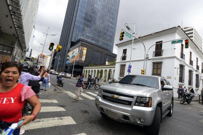 Se agrava la pugna entre asambleas rivales en Venezuela
