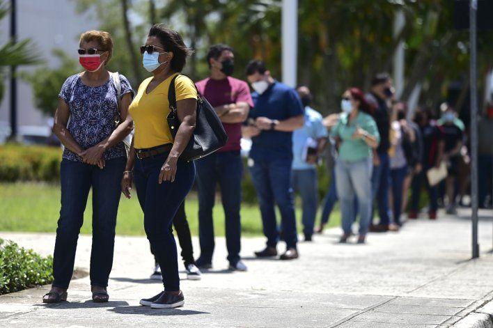 Puerto Rico vuelve a cerrar escuelas por repunte de COVID-19