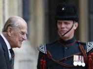 la reina regresa a sus deberes reales tras deceso de felipe