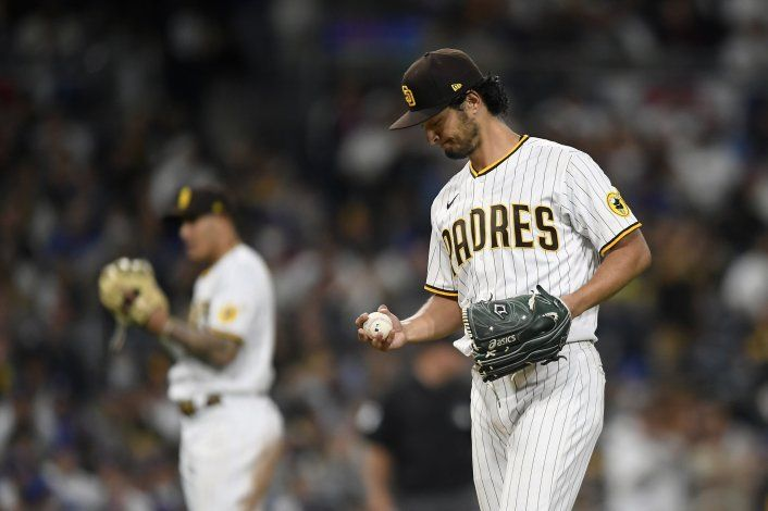 Darvish poncha a 11, Padres ganan a Dodgers con dos jonrones