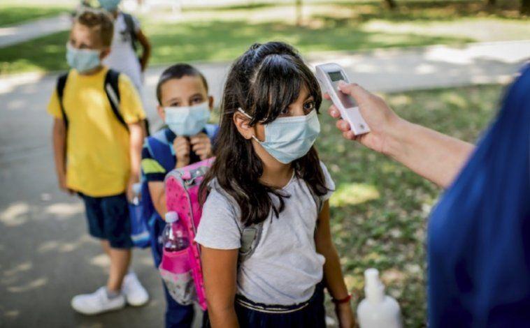 Florida pone fin a las cuarentenas escolares obligatorias por COVID-19
