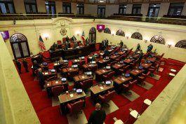 el senado aprueba el proyecto del salario minimo con un primer incremento a $9.00 la hora
